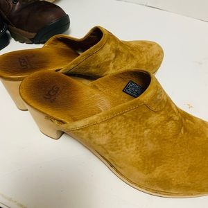 UGG Leather Clogs size 8
